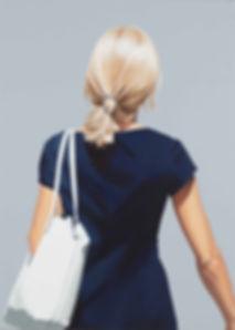 19.011.o.T.(blaues Kleid)140x100_1.JPG