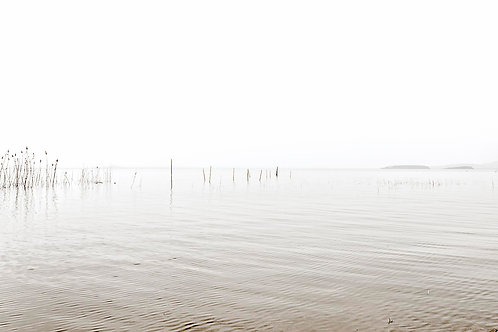 MINIMALISM ON TRASIMENO LAKE
