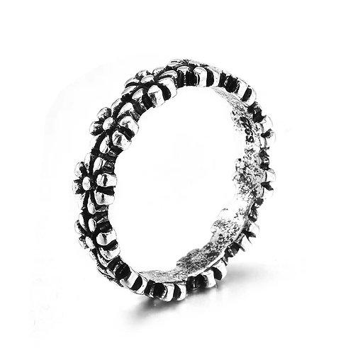 Vintage Flower Ring (Size 8)