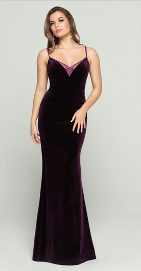 This sheath stretch velvet  gown features clean lines and a soft sheen. Come to see the DaVinci 60460 at Madelange Laroche Bridal Design Studio. Book your appointment here.