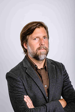 James Nestor (c) Julie Floersch.jpg