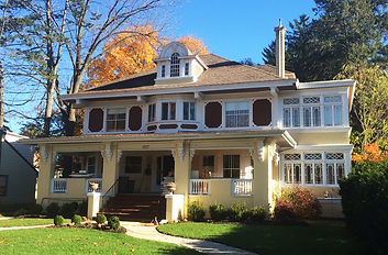 1217 Michigan Avenue, the home of Don and Julie Fugitt-Schultz, was built for banker Francis H. Morrison in 1905.  The house, with its original Marshall Field & Co. wall stenciling, was designed by Chicago architect Charles Whitney Stevens, and is an exceptional example of Colonial Revival styling.