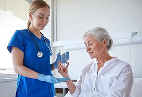 nurse-giving-medication-1_edited_edited.