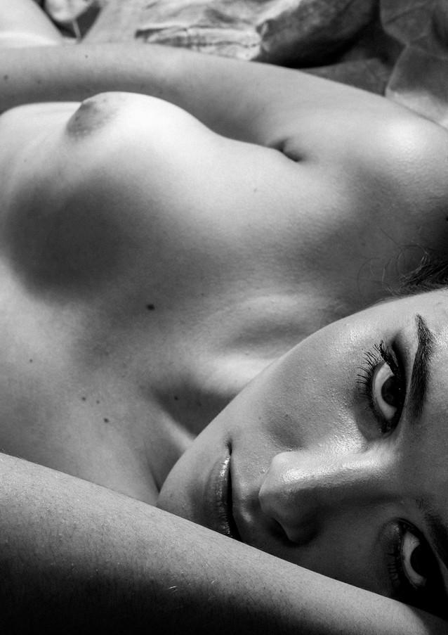 Simply naked  Simplesmente nua