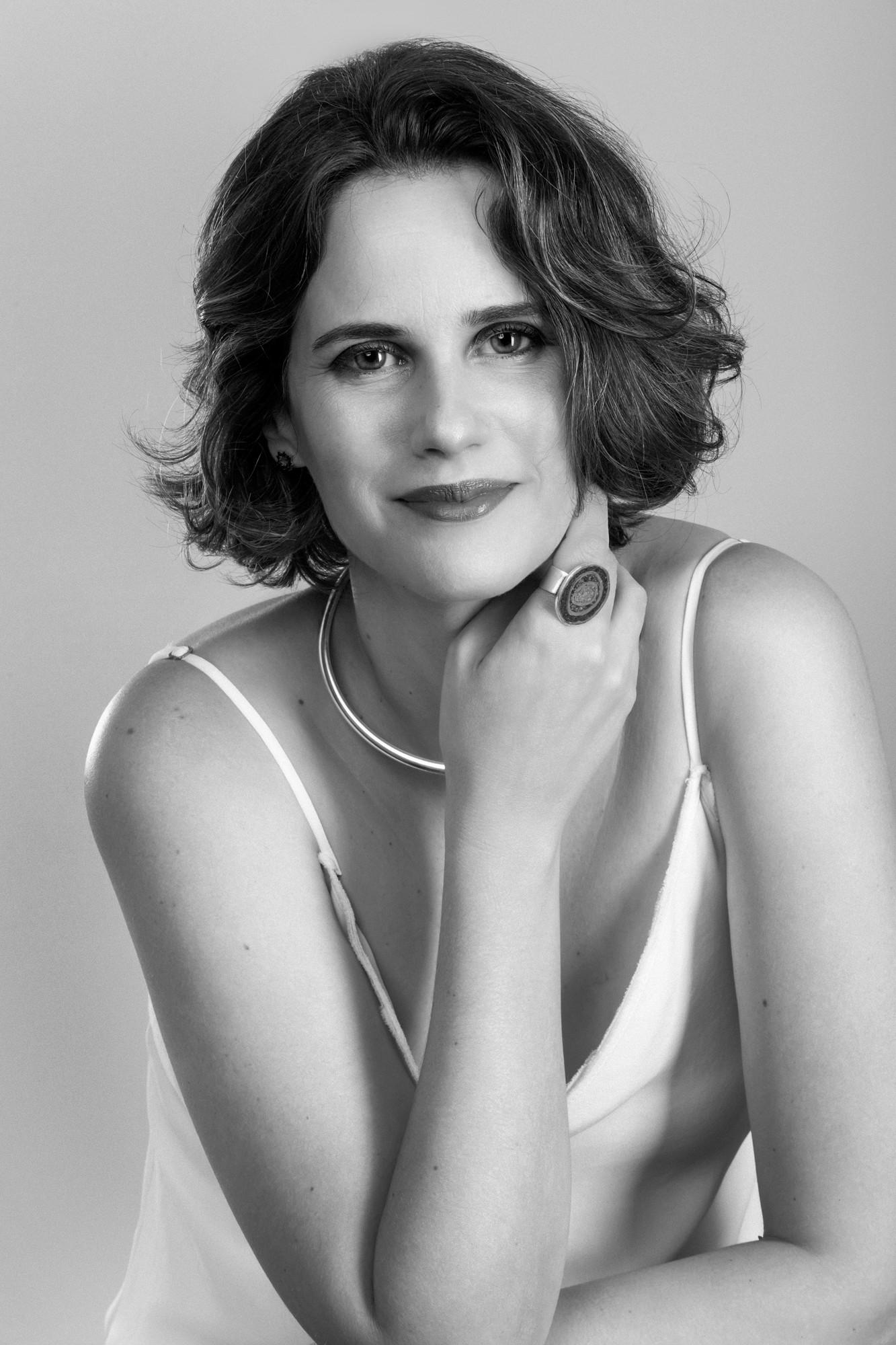 Business portrait of Daniela Diniz