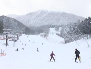 最高のスキー・スノーボード日和です