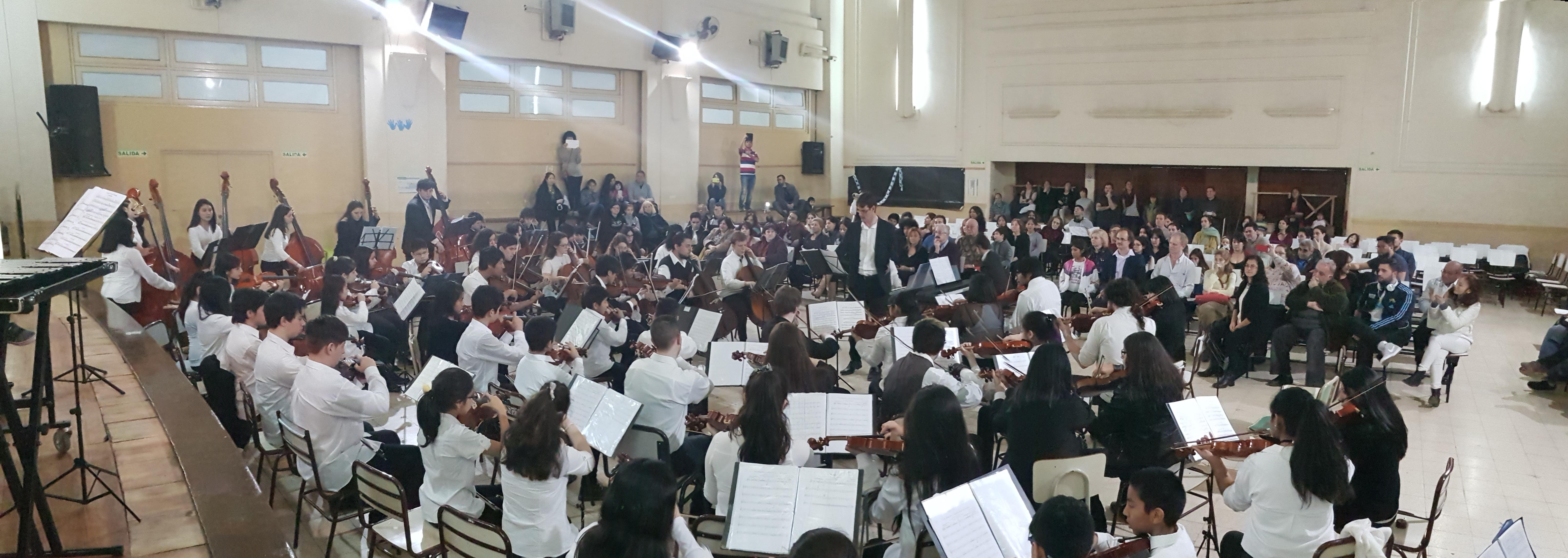 Je dirige un ensemble de jeunes à Buenos Aires