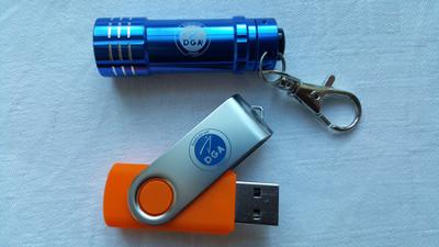 Mini Lampe et clef USB DGA
