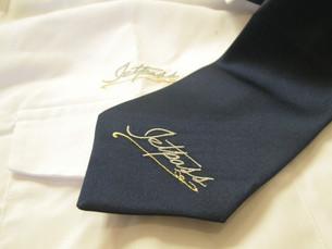 Cravate et Chemise Brodées JETPASS