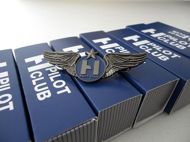 Ailes de poitrine sur mesure. Wearcraft ailes de poitrine pour compagnies aériennes, organismes de formation aéronautique, sociétés aéronautiques, meetings aériens.