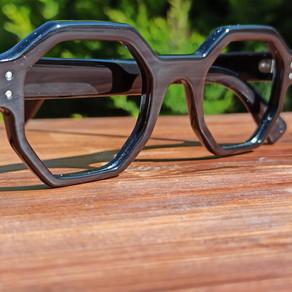 Lunettes sur mesure en corne de buffle / Bufallo horn bespoke eyewear