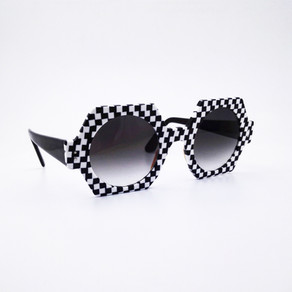 Lunettes de couleur damier noir et blanc