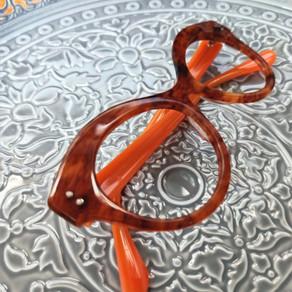 Lunettes sur mesure effet corne de buffle / Bespoke eyewear.