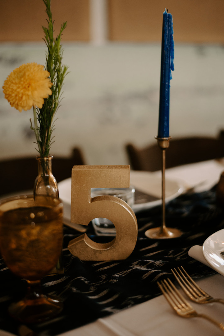GOLD TABLE NUMBERS (UP TO 25)