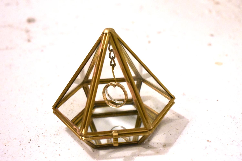 GOLD GEOMETRIC RING BOX