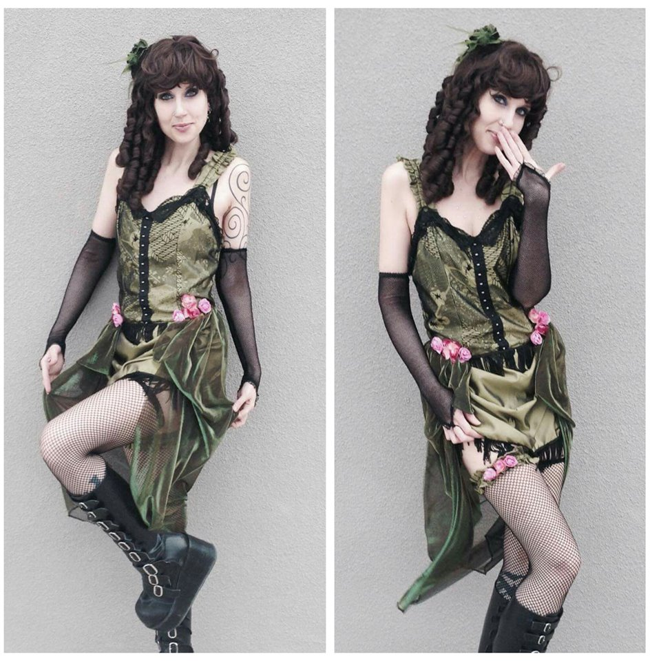 Green Saloon Girl