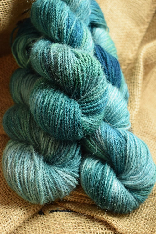 Hand dyed Lambs Wool Dk 100g - 'teal'