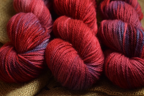 Hand dyed Dartmoor Merino Dk 100g - 'Port'