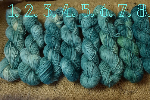 Hand dyed Lambs Wool Dk 100g - 'ParkQuarry'