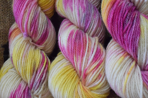Hand dyed Dartmoor Merino Dk 100g 'Pink Crocus'