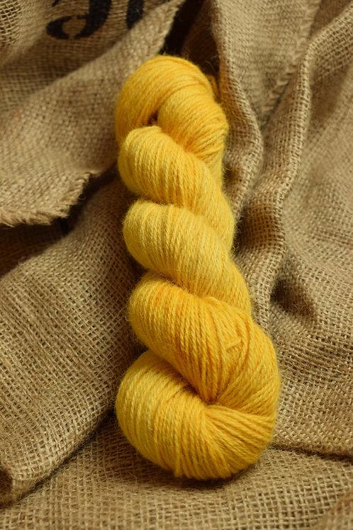 Hand dyed Lambs Wool Dk 100g - 'Golden Yellow'