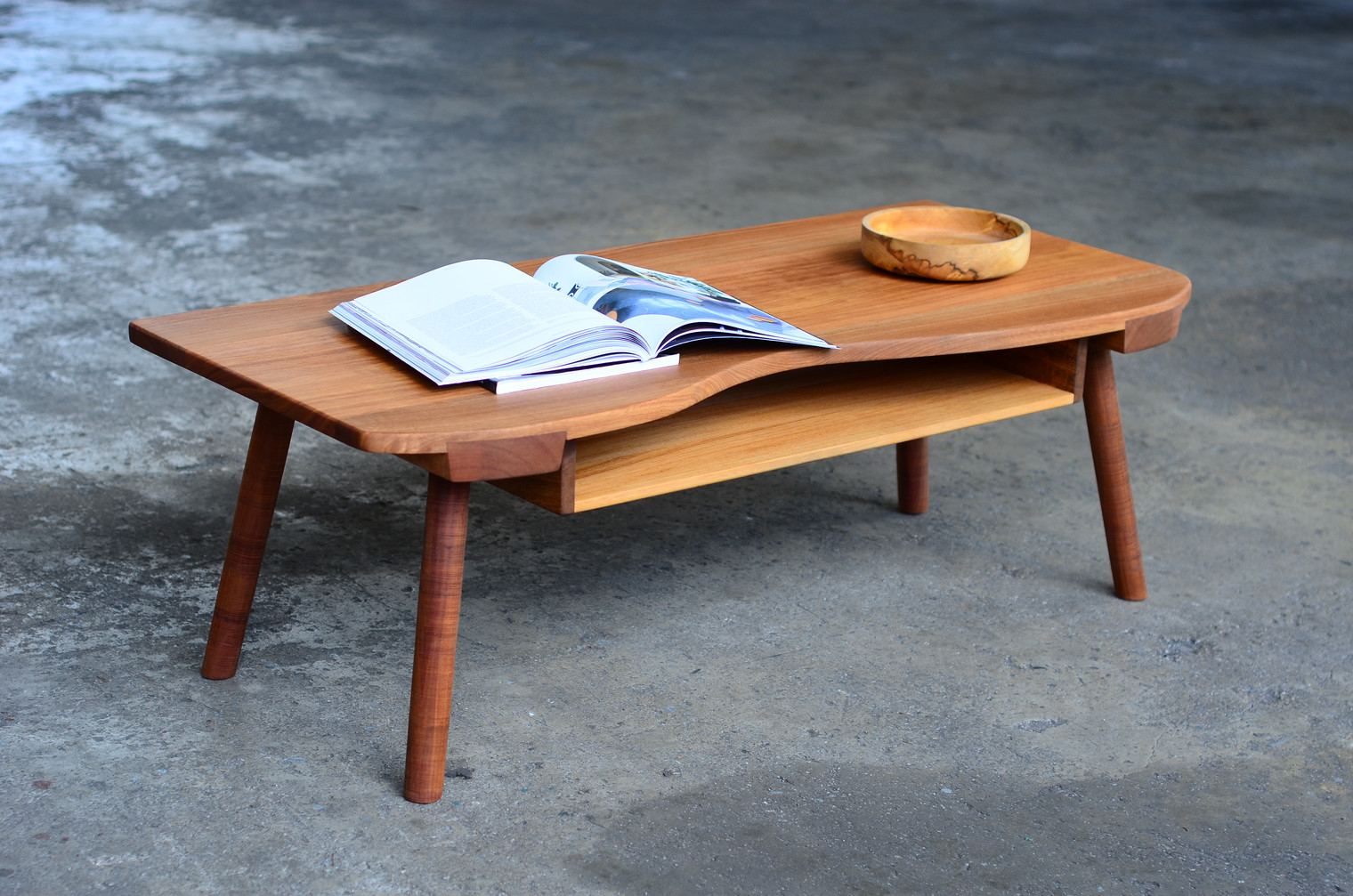 AER COFFEE TABLE