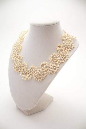 Classic Necklace in Pearl