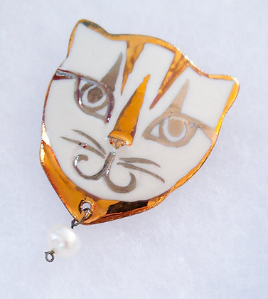 Gold Cat Pin with Pearl