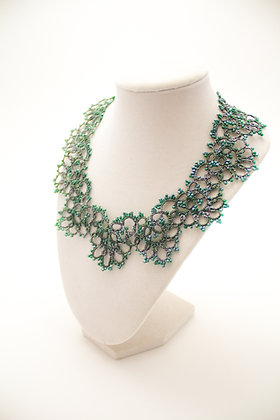 Classic Necklace in Emerald