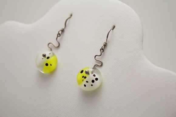 Bofit Yellow and White Spotted Glass Earrings
