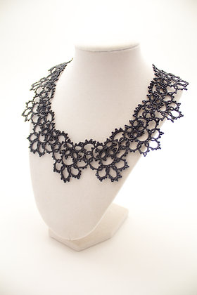 Classic Necklace in Black
