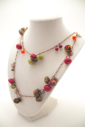 Red/Green Rosebuds Necklace