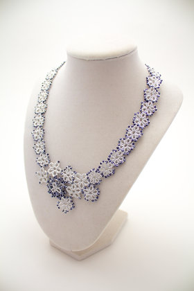 R421 Necklace in Navy
