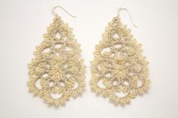 Classic Pearl Earrings 2