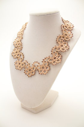 Classic Necklace in Coffee