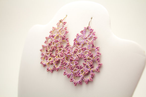 Classic Earring in Pink