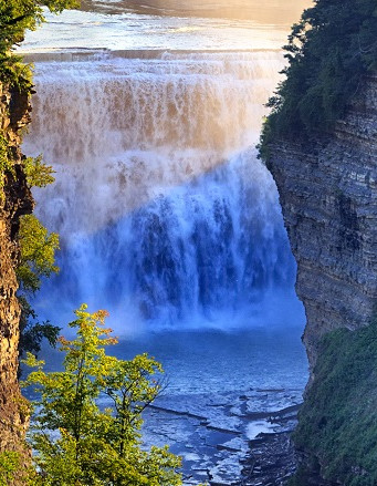 genesee-river-gorge-cliffs-middle-falls_