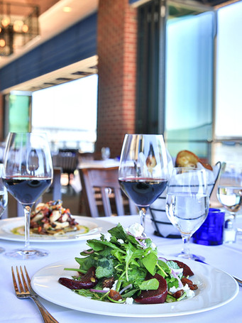 salad-overlooking-water-rossmedia-photog