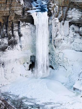 taughannock-falls-in-winterjpg