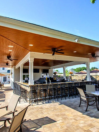 west-hills-country-club-outdoor-bar-and