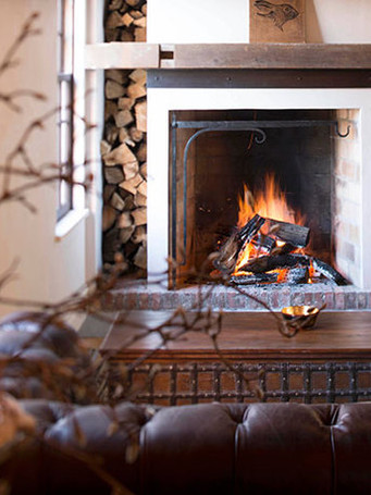 10-bar-fireplace-with-wrought-iron-cooki