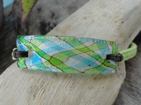 Affordable Plaid Artisan Glass Macrame Bracelet