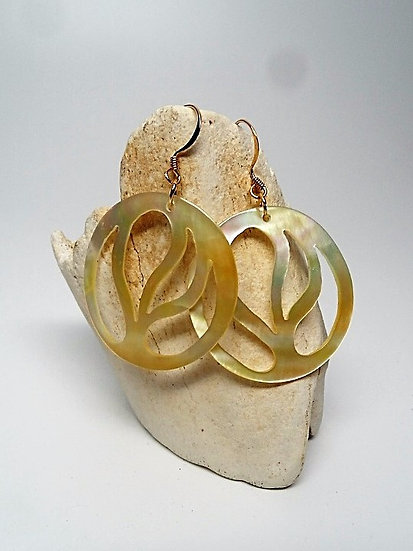 round carved mother of pearl shell earrings
