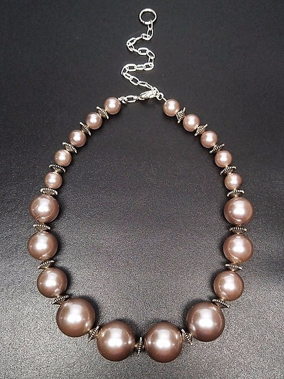 chunky graduating pearl choker necklace
