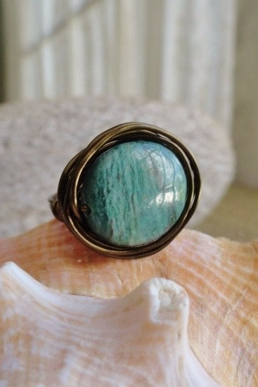 Bronze Bird's Nest Green Jade Natural Gemstone Ring