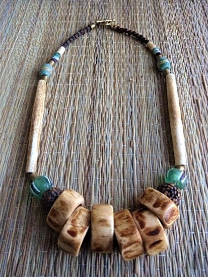 beaded chunky bone necklace