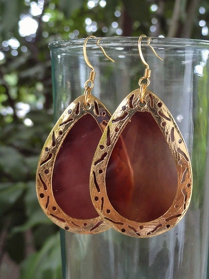 Chic Brass Big Brown Shell Teardrop Earrings