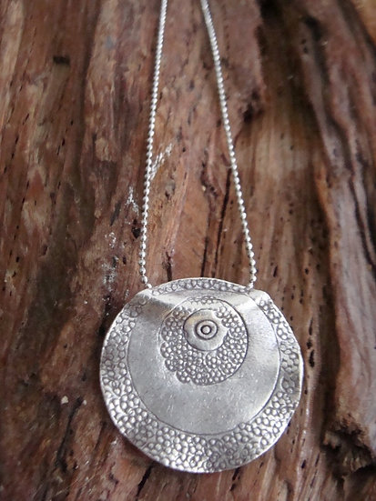 Chic Sterling Silver Wave Pendant Necklace