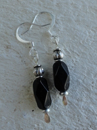 Chic Small Drop Black Glass Bead Earrings