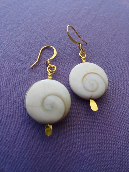 Sexy Small Round Chic Nautilus Shell Earrings